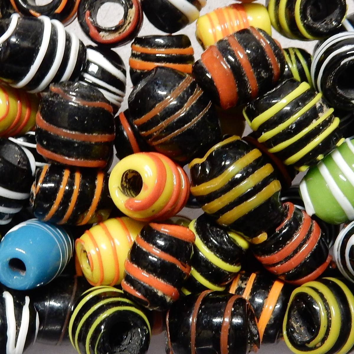 Glass Bead Mix - Spiral Olive